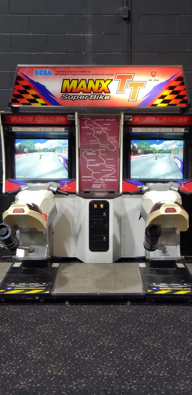 Arcade Rolling Photo 5